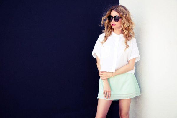 model sunglasses side
